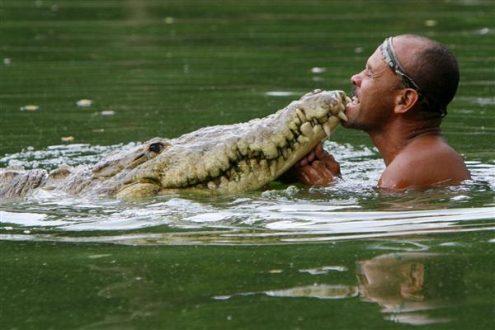 Chito et son ami le crocodile Pocho.