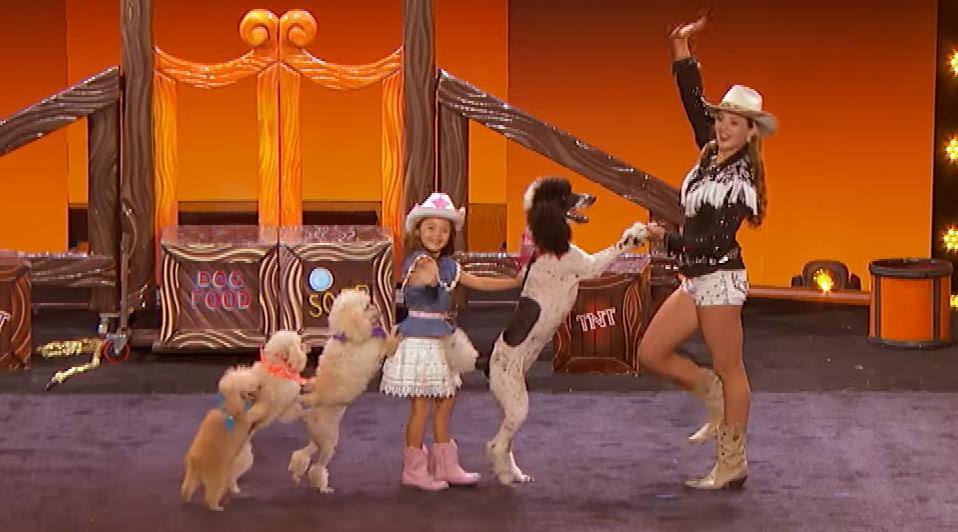 Les Pompeyo et leurs adorables chiens dans Got Talent.