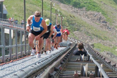 L'escalier du Niesen en Suisse.