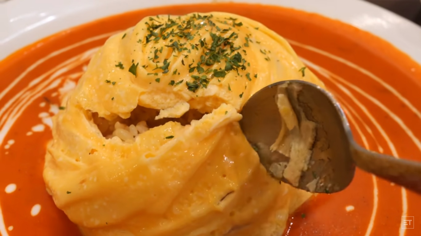 Une omelette tornade à la coréenne.