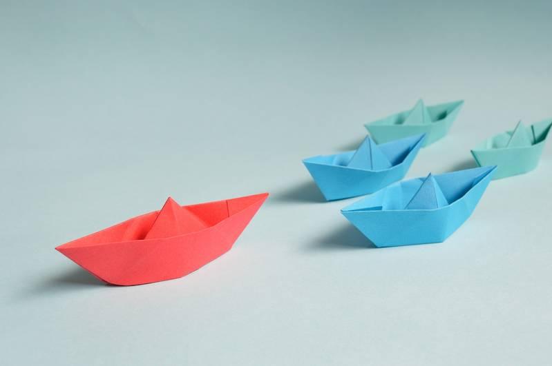 L'origami, l'art du pliage de papier.