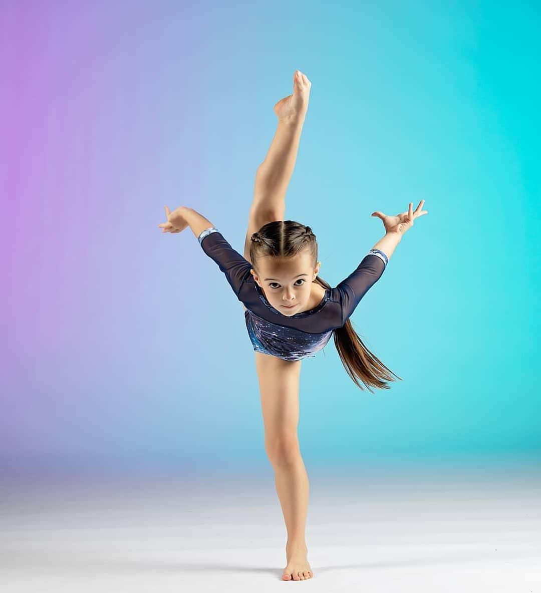 Ella Dobler, jeune danseuse en évolution